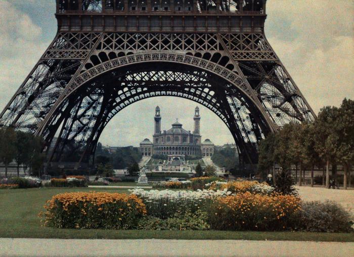 Самая узнаваемая арÑитектурная достопримечательность в Париже.