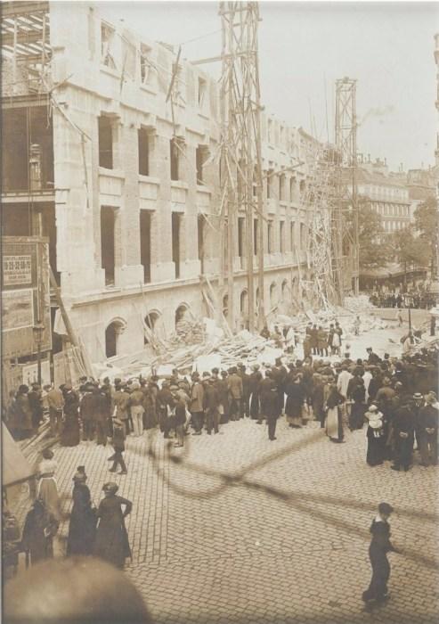 Обвал строительных лесов на улице Монсеньор Ле Принс. Франция, Париж, 1920 год.