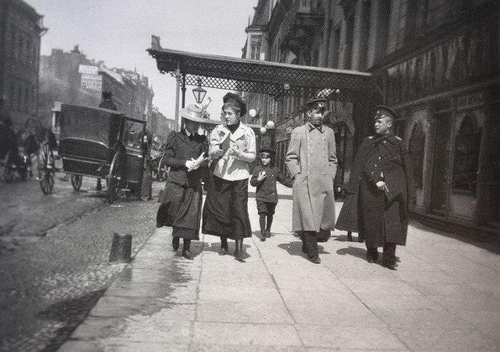 Прогулка по Литейному проспекту.  Россия, Санкт-Петербург, 1899 год.
