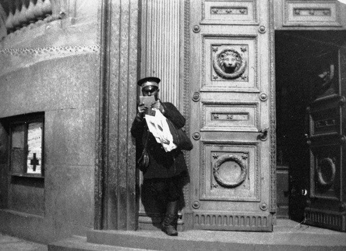 Вход в Здание Главного штаба. Россия, Санкт-Петербург, 1899 год.