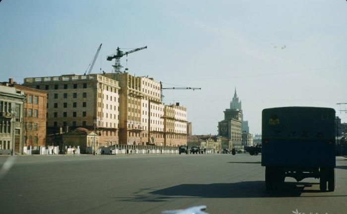 Улица Чайковского в Москве.