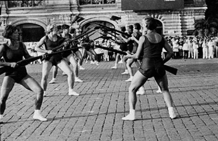 Поединок во время парада физкультурников, 1930 год.