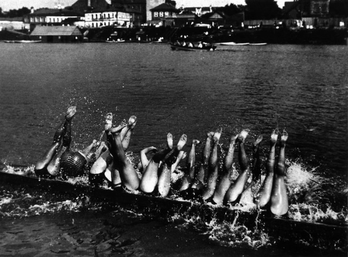 Игра на воде для детей и взрослых, 1928 год.