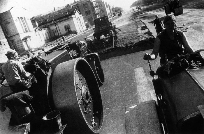 Асфальтирование улицы Ленина, 1931 год.