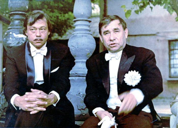 Михаил Семенович Светин и Николай Караченцов на съёмочной площадке.