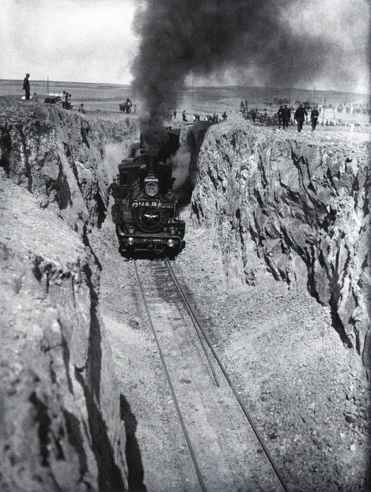 Первый поезд, 1930 год.
