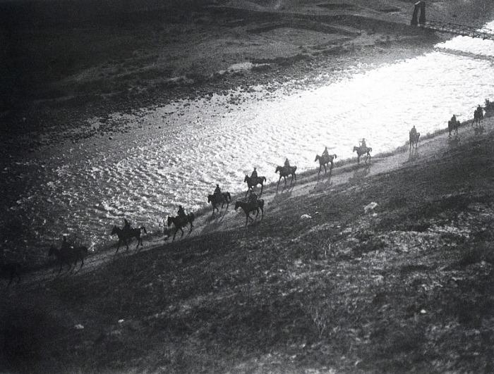 Пограничники на реке Вахш, 1930 год.