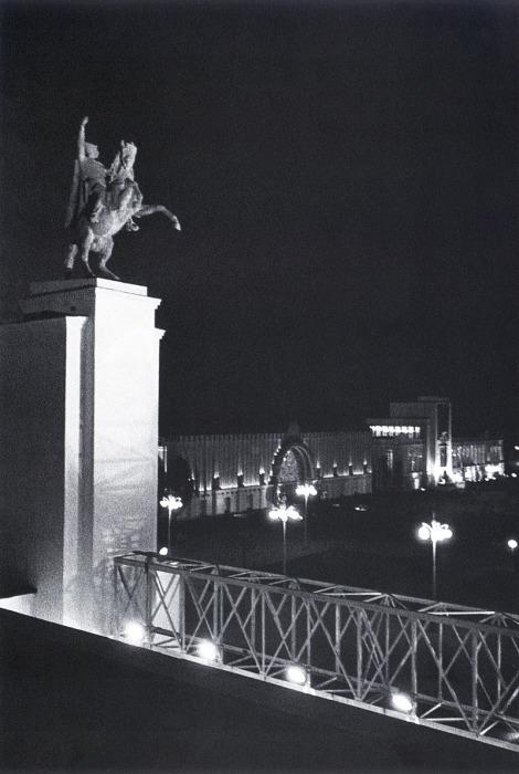 Всесоюзная сельскохозяйственная выставка. СССР, Москва, Павильон Поволжье, 1939 год.