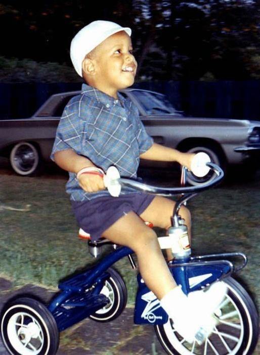 Сорок четвёртый президент США в юности.