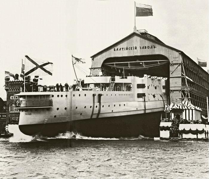 Торжественный спуск на воду броненосца «Победа», 1911 год.