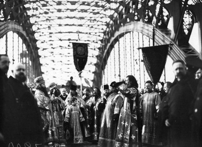 Открытие Большеохтинского моста имени императора Петра Великого.