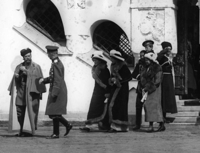 Члены царской семьи. Россия, Царское Село, 1913 год.