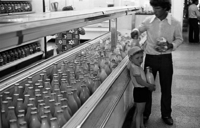 Атмосферные фотографии из жизни советских людей в 1980-х годах.