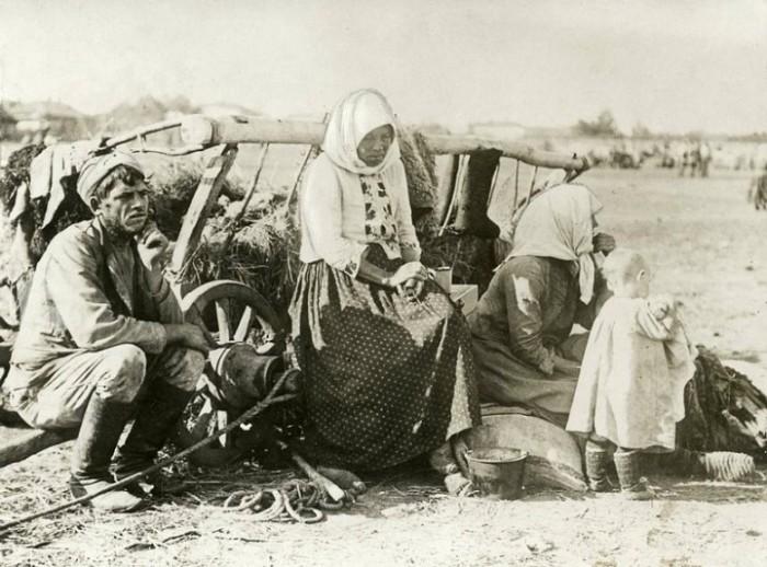 Беженцы от массового голода. Россия, Самарская губерния, 1921 год.