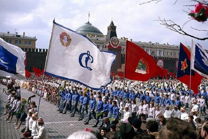 Первомайский парад в Москве.