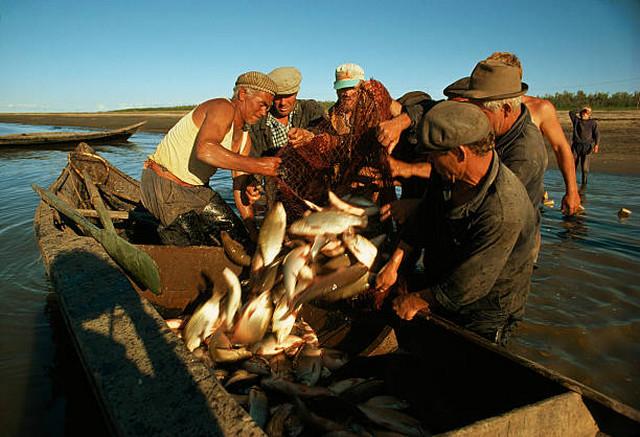 Рыбаки на Иртыше вблизи Ханты-Мансийска.