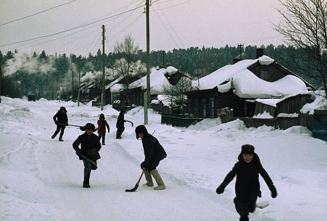 Хоккей являлся в СССР вторым после футбола по популярности и массовости видом спорта. СССР, Ханты-Мансийск.