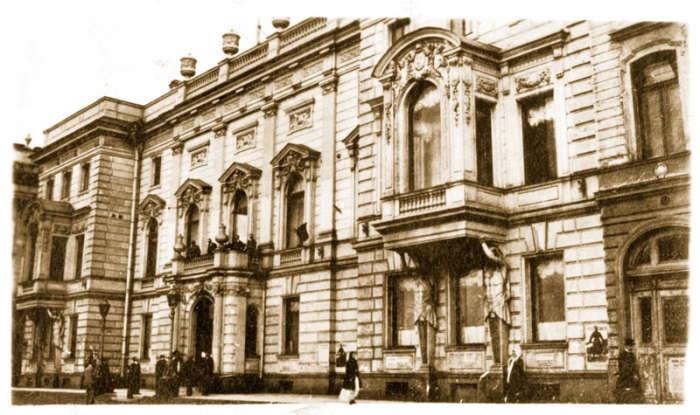 Кантемировский дворец на Дворцовой набережной.