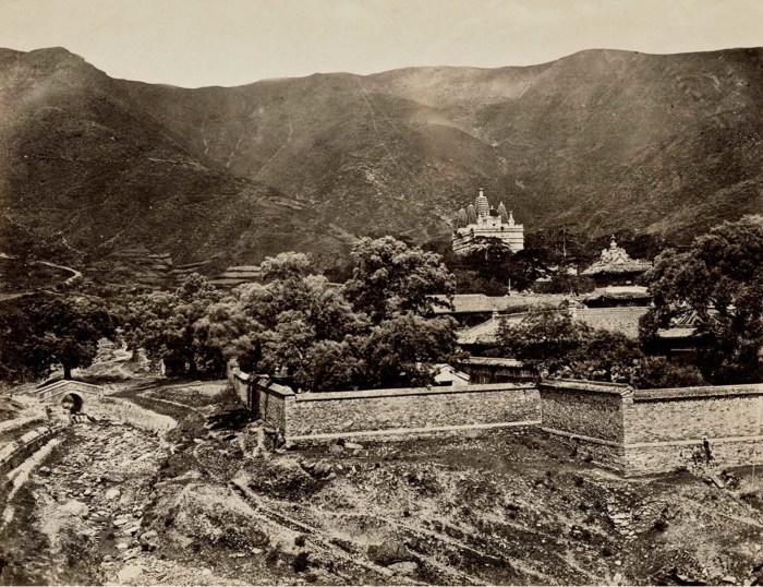 Единственная известная фотография основания Храма Лазурных облаков.
