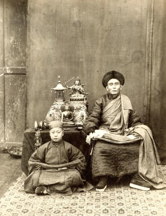 Буддийский монах, и его ученик.
