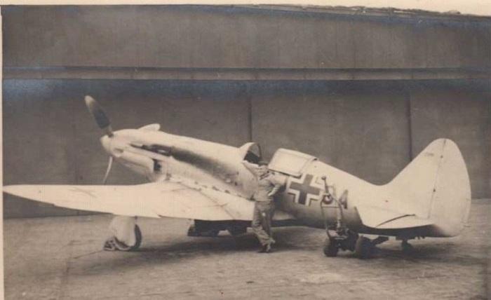 Захваченный немцами советский истребитель МиГ-3.