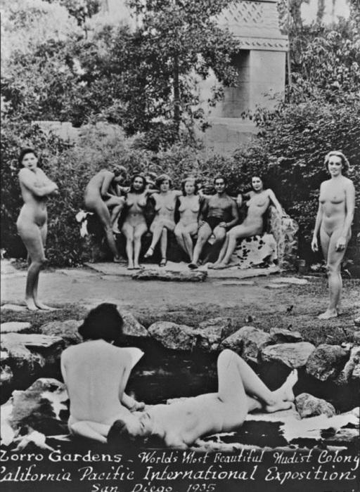 Сады Зорро - самая красивая в мире нудистская колония в Калифорнии. Международная выставка в Сан-Диего, 1935 год.