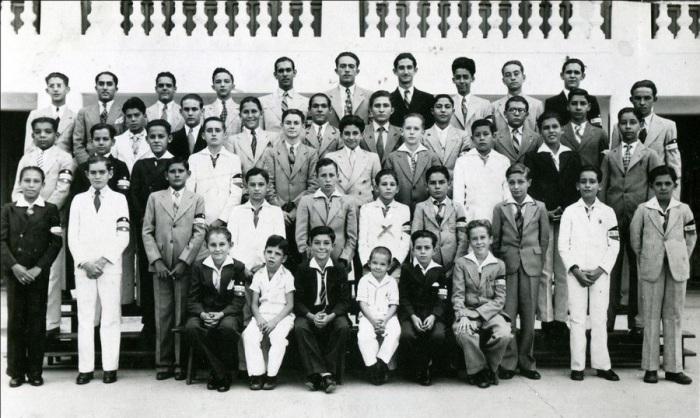 Фидель Кастро в колледже La Salle в 1936 году.