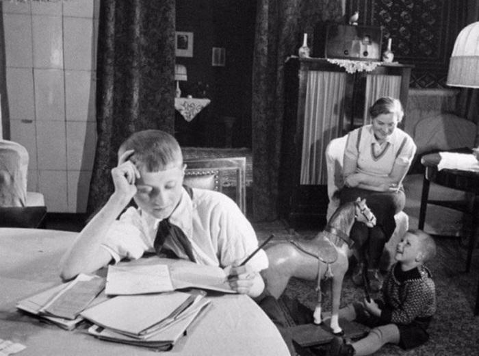 Фотография известного фотокорреспондента Семена Фридлянда. СССР, Москва, 1960-е годы.