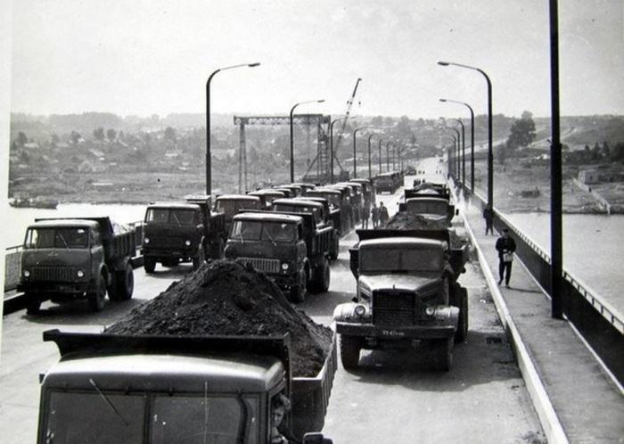 Костромской автодорожный мост - единственный автодорожный мост через Волгу на участке между Ярославлем и Нижним Новгородом.