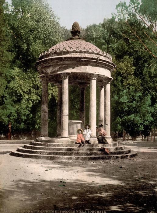 Храм Дианы в самом сердце Рима.