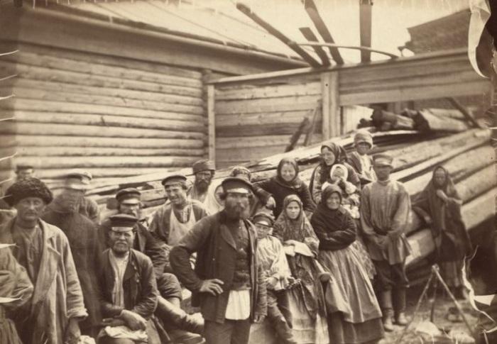 Осевшие на территории Сибири каторжники.