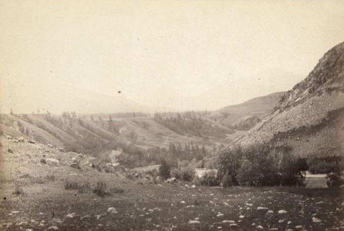 Долина реки в Восточно-Казахстанской области.