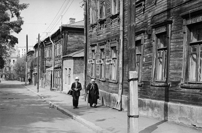 Улица в центре Москвы в Мещанском районе Центрального административного округа между Олимпийским проспектом и Мещанской улицей. СССР, Москва, 1970-е годы.