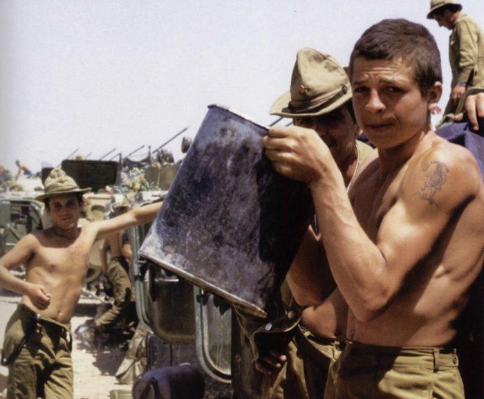 Советские солдаты в тренировочном лагере перед отправлением в Афганистан.