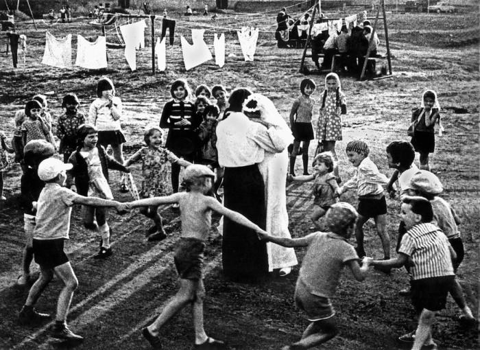 Жених и невеста. Татарская АССР, город Елабуга, 1978 год.