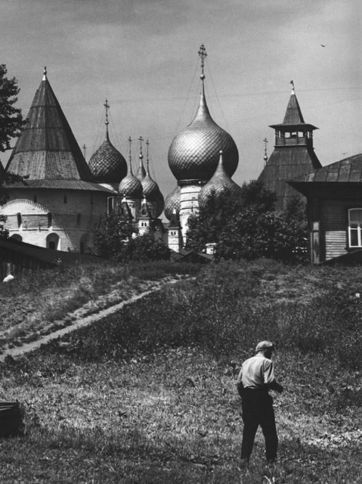 Купола церквей Ростовского Кремля. СССР, 1965 год.