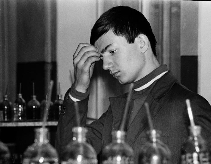 Лабораторная работа по химии. СССР, Казань, 17 января 1976 года.