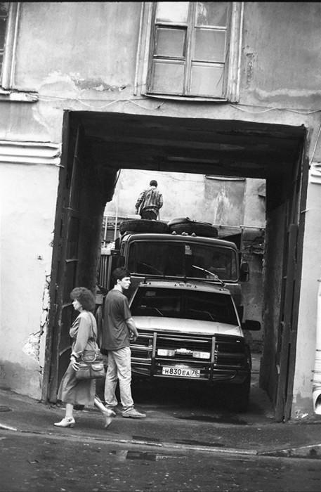 В одном из московских переулков. СССР, Москва, 1980-е годы.