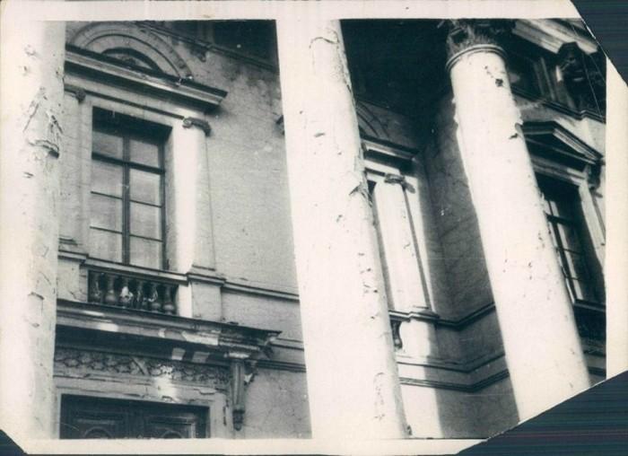 Аварийное состояние здания на Невском проспекте в Ленинграде, 17 декабря 1929 года.