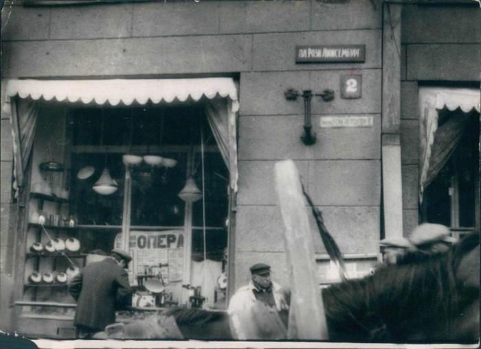 На площади Розы Люксембург в Харькове в 1930-е годы.