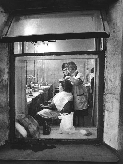 Парикмахерская. СССР, Москва, 1960-е годы.