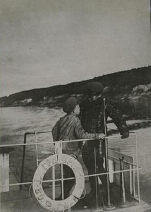 Троцкий, путешествующий по Волге.