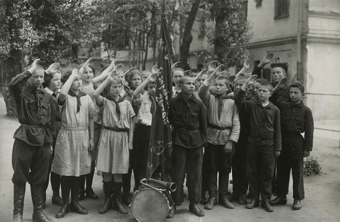 Уникальные фотографии, сделанные в первые годы после Октябрьской революции.