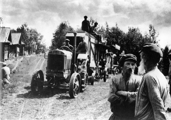 Активные действия по проведению коллективизации, 1929 год.