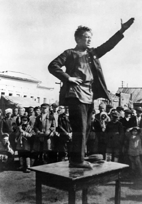 Выступление перед началом реорганизации сельского хозяйства, 1929 год.