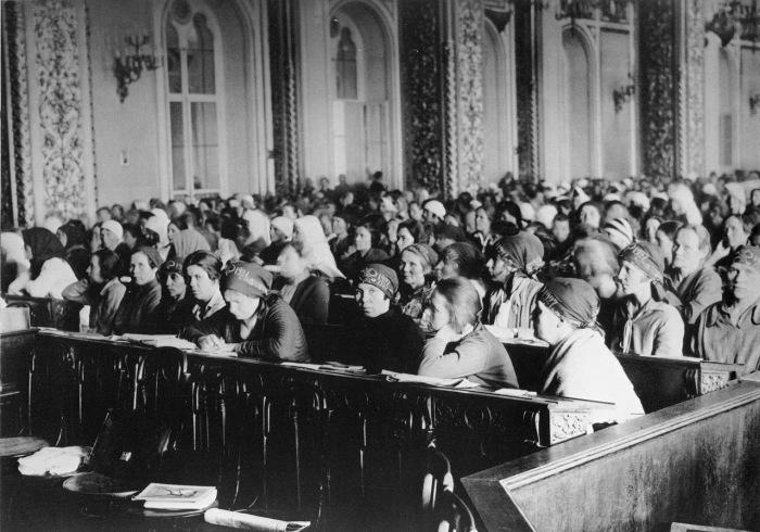 Первый съезд женщин-работниц в Москве в 1927 году.