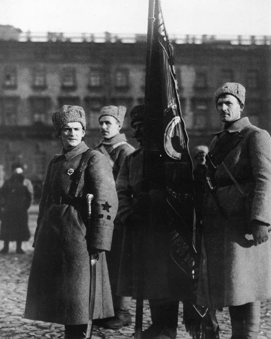Выпускники курсов будущих командиров Красной Армии из рабочих и крестьян. Петроград, 1919 год.