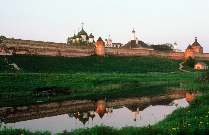 Спасо-Евфимиев мужской монастырь в Суздале в 1985 году.