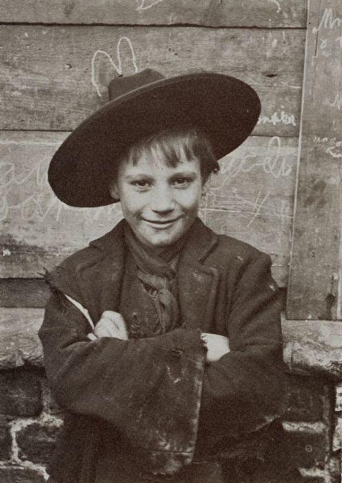 Фото ребёнка лондонского бедняка.