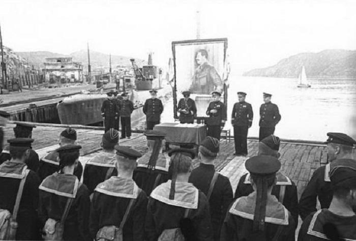 Вручение государственных наград морякам за особые заслуги.